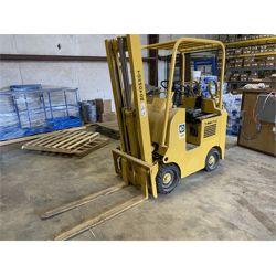 CATERPILLAR 422S TOWMASTER Forklift - Mast