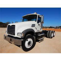 2007 MACK CTP713 Cab and Chassis Truck