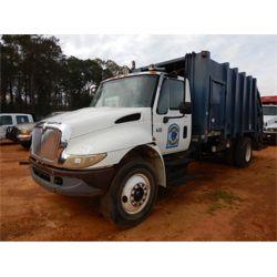 2003 INTERNATIONAL 4300 Garbage / Sanitation Truck