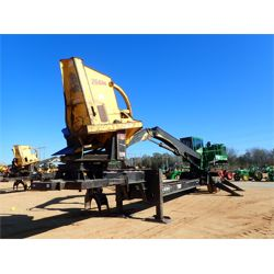 2010 JOHN DEERE 437D Log Loader