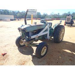 JOHN DEERE 2010 Farm Tractor