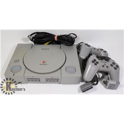 SONY PLAYSTATION, 2 CONTROLLERS