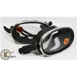 LOT OF TWO NEMROD TEMPERED DIVING GOGGLES