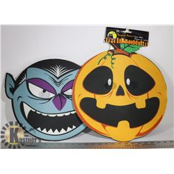 PAIR OF LARGE HALLOWEEN WALL DECOR