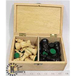 GERMAN SCHACHSPIEL CHESS MEN IN BOX