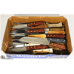 BOX WITH LOTS OF WOOD HANDLED STEAK