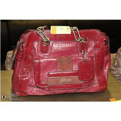 GUESS PURSE PREVIOUSLY OWNED