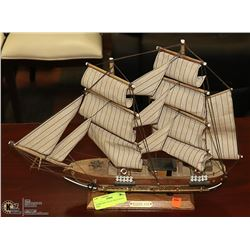 HURRICANE COLLECTIBLE MODEL SHIP