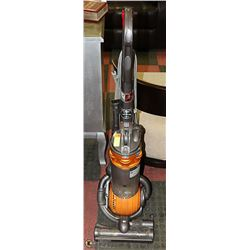 DYSON DC25 UPRIGHT CANISTER VAC (WKG)