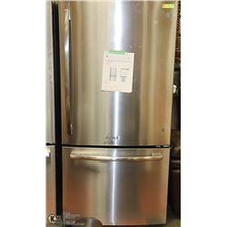GE S/S 25CUFT BOTTOM MOUNT REFRIGERATOR