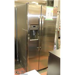GE 23.2 CUFT S/S SIDE BY SIDE REFRIGERATOR