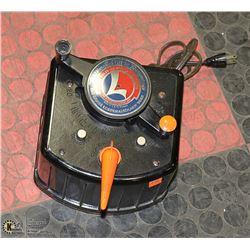 VINTAGE LIONEL TRAIN CAR CONTROL