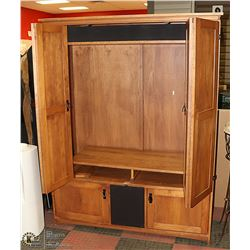 TV ENTERTAINMANT CABINET 59 X 23 X 76