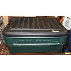 RUBBERMAID ACTION PACKER WITH LOCKING LID