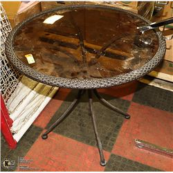 RATTAN STYLE GLASS TOP PATIO TABLE 30 X 28