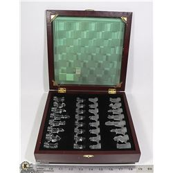 VINTAGE GLASS CHESS SET