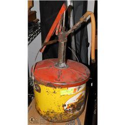 VINTAGE OIL CAN & PUMP
