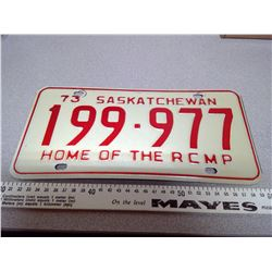1973 SASKATCHEWAN HOME OF THE RCMP LICENSE PLATE 199-977