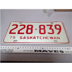1975 SASKATCHEWAN LICENSE PLATE 228-839
