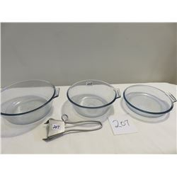 3 Pyrex cook top set with interchangable holder