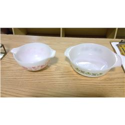2 bowls inluding Pyrex pink gooseberry bowl