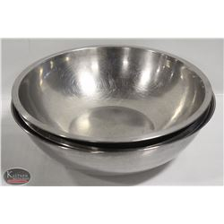 LOT OF 3 LARGE STAINLESS STEEL MIXING BOWLS