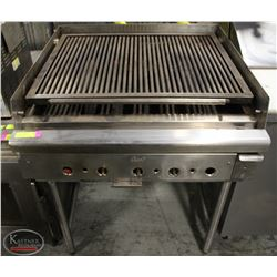 QUEST COMMERCIAL NATURAL GAS CHARBROILER W/ STAND