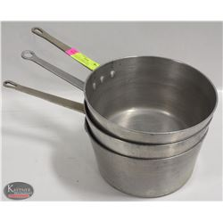 GROUP OF 3 LARGE 5.5QT ALUMINUM COOKING POTS
