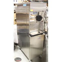 ELECTROFREEZE UPRIGHT ICE CREAM MACHINE W/