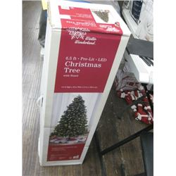 WINTER WONDERLAND 6.5FT PRELIT LED TREE