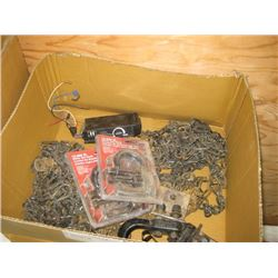 BOX OF TIRE CHAINS AND HOOKS / BRAKE