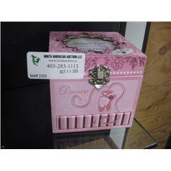 SWEET GIRL MUSICAL BOX