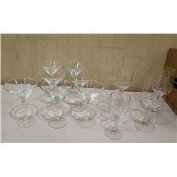 Box Misc Glassware: Wine Glasses, Martini Glasses