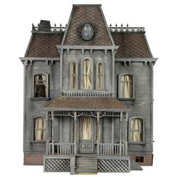 Psycho II iconic Bates 'house on the hill' miniature replica.