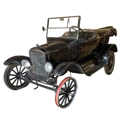 Ford Model T from The Newton Boys.
