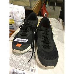 Reebok Size 9 Shoes