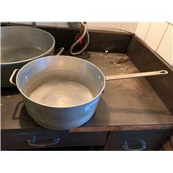 Large Commercial Aluminum sauce pan