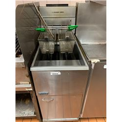 Pitco Commercial Gas Deep Fryer with baskets -THE BUYER IS RESPONSIBLE FOR DISCONNECTION AND REMOVAL