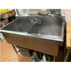 Stainless double well commercial sink with taps -THE BUYER IS RESPONSIBLE FOR DISCONNECTION AND REMO