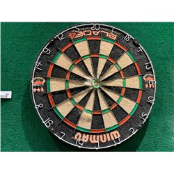 Winmau Dart Board with green chalk score board