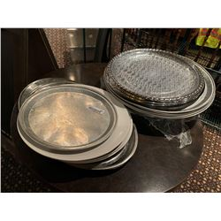 Lot of assorted party trays