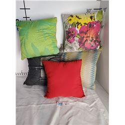 Lot of 5 Throw Pillows