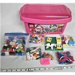2006 Lego #5560 (400+ piece set/storage tub)