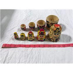5 Russian Nesting Dolls