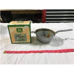 John Deere Salt + Pepper Shakers in Own Box (chips) + Sieve