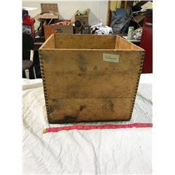 """""""Canadian butter Saskatchewan"""" wooden box"""