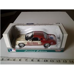 2002 Ford Thunderbird Astro's Limited Edition 1:24