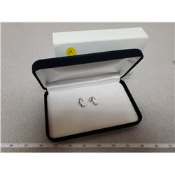 Engagement ring and wedding bank in new jewellery box