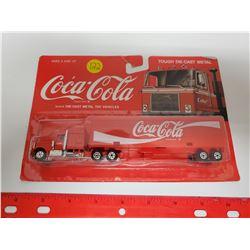 Coca-Cola die cast truck & enclosed trailer NIB delivery truck