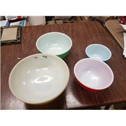 Pyrex Mixing Bowls 4 Pc. Set